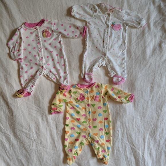 Carter's Other - 7 Piece Baby Girl Bundle - Newborn Size Sleepers